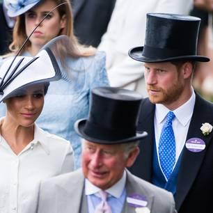 Prinz Charles: mit Herzogin Meghan und Prinz Harry bei einem Event