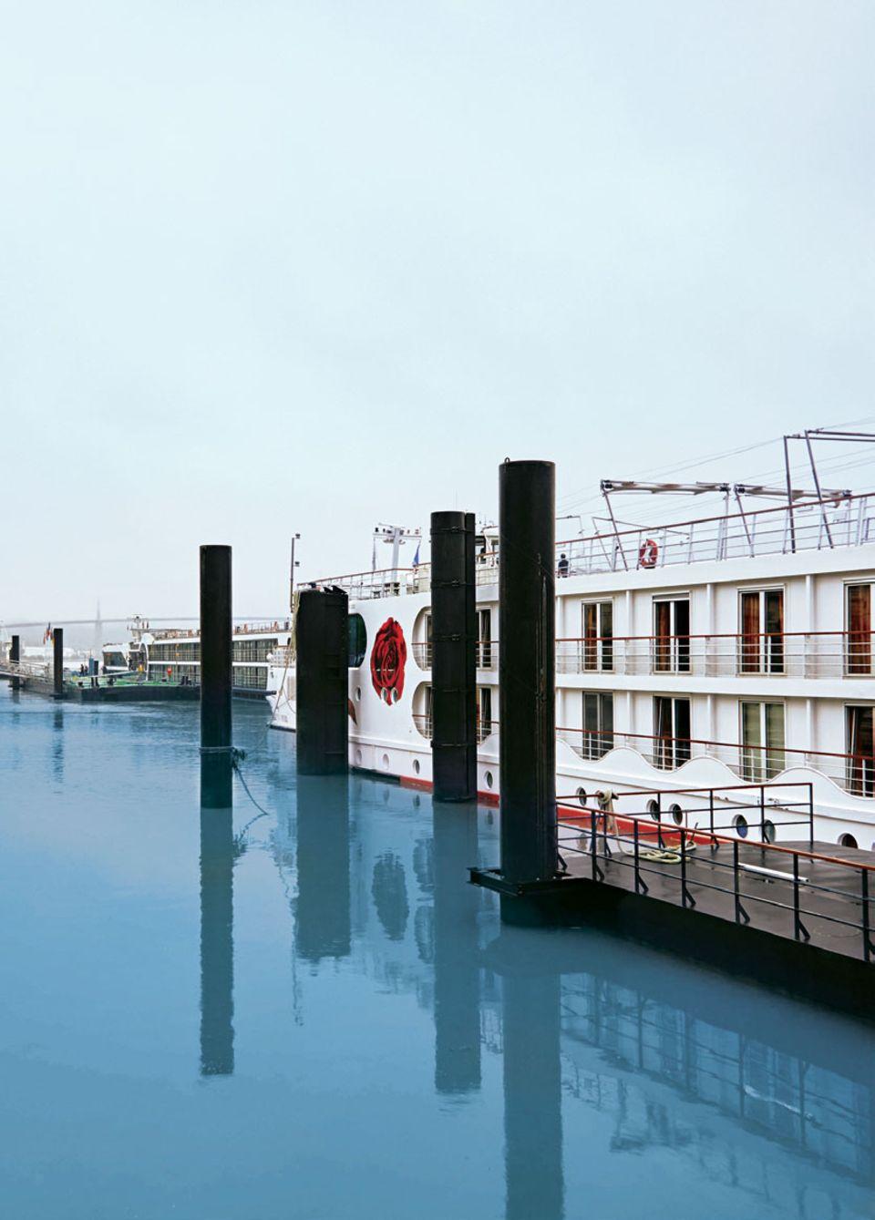 Seine-Kreuzfahrt: Flussschiff auf Seine