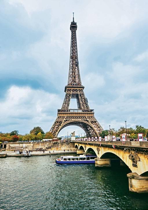 Seine-Kreuzfahrt: Blick auf Eiffelturm