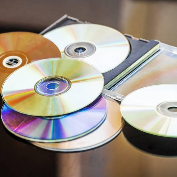 Sie machen mit ein paar alten CDs etwas Wunderbares aus ihrer Küche!