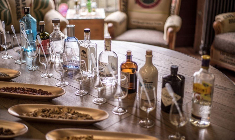 Weihnachtsgeschenke für den Partner: Gin-Tasting