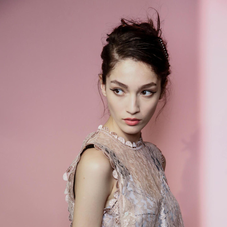 Glamour-Frisuren: Gezwirbelte Hochsteckfrisur