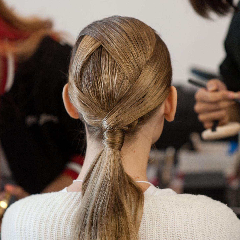 Glamour-Frisuren: Asymmetrischer Zopf