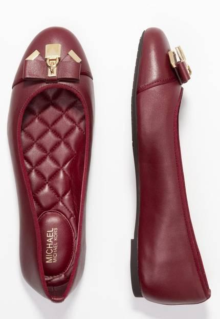 Festliche Schuhe ohne Absatz: Rote Ballerinas