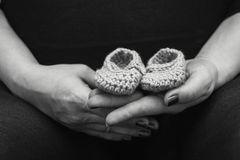 Facebook: Trauernde Mutter beschwert sich nach Totgeburt über quälende Werbeanzeigen