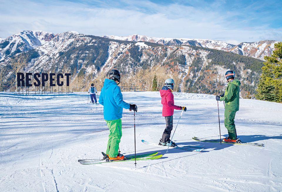 Skifahren Aspen: Skifahrer auf Berg