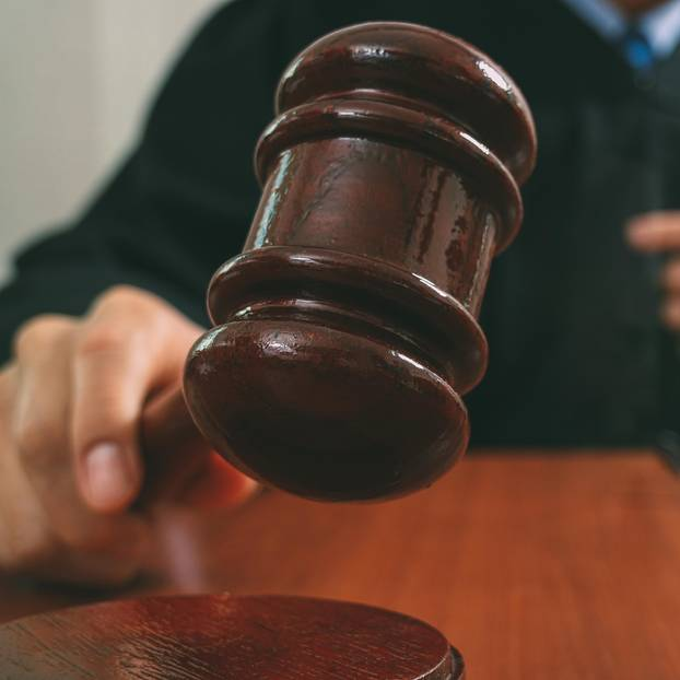 Paragraf 219a: Richter mit Richterhammer