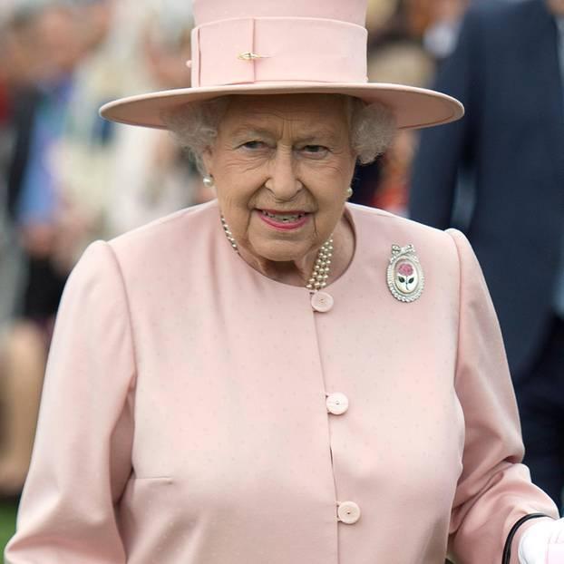 Queen Darum Tragt Sie Immer Die Gleichen Schuhe Brigitte De
