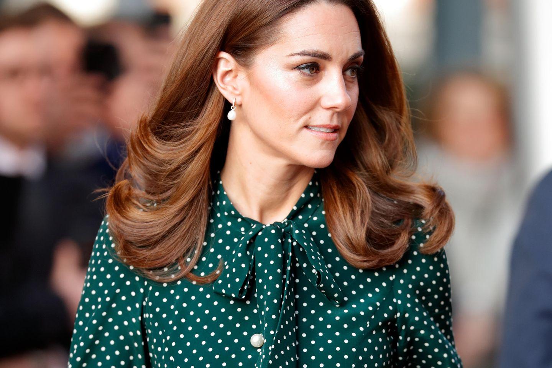 Herzogin Kate trägt ein grünes Kleid