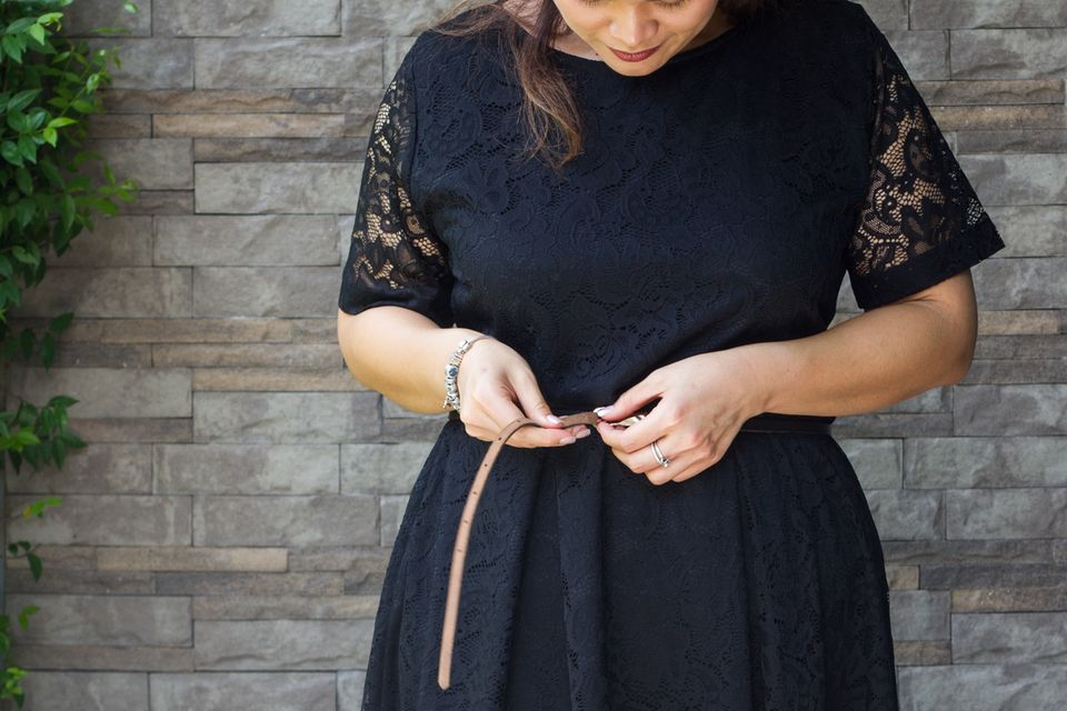 Glamour pur für die Festtage! Die schönsten Kleider für Frauen mit Knaller-Kurven 💃🏻