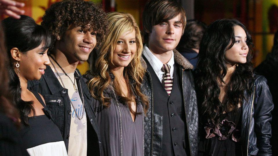 Ashley Tisdale im neuen Look: High School Musical Stars im Rmapenlicht