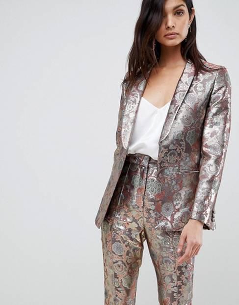 Silvester-Outfit: Jacquard-Blazer in Golden von asos Design