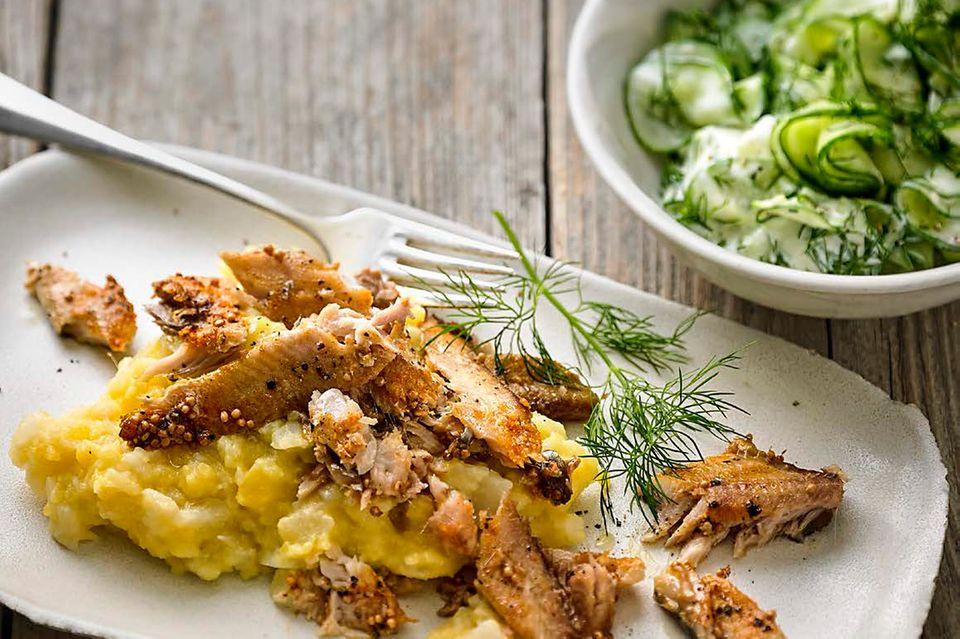 Pulled Fish, Topinambur und Gurkensalat