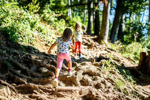 Günstig reisen: 10 clevere Spartipps für Familien 🍧