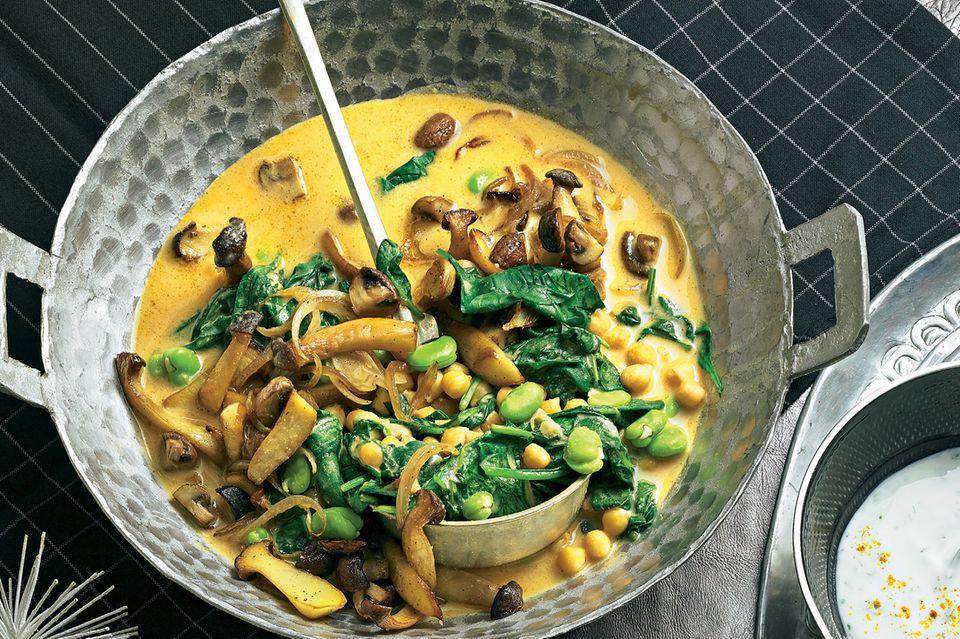Veggie-Curry mit Joghurt-Dip