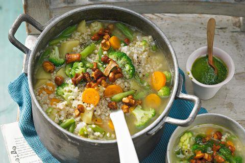 Gemüsesuppe: Graupensuppe mit Gemüse