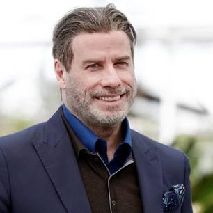 John Travolta zeigt sich ohne Toupet