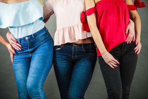 Mermaid Thigs: Drei Frauen in Jeans