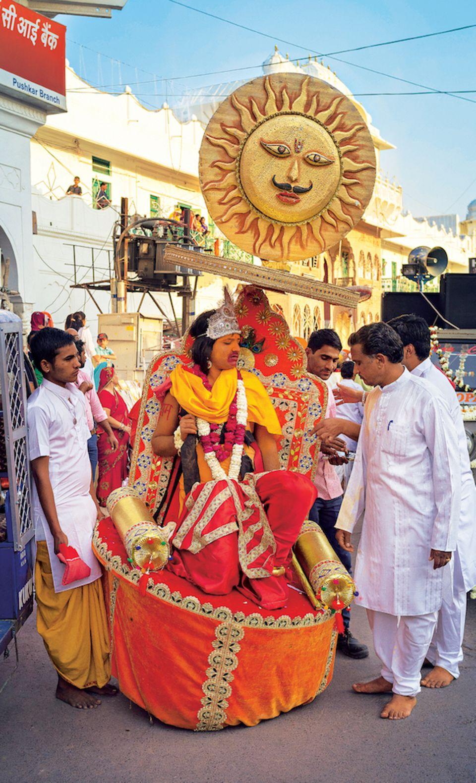 Rajasthan: Bild von Prozession in Pushkar