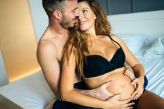 Sex in der Schwangerschaft: Was bekommt mein Baby mit?