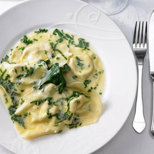 Ravioli mit Bärlauch-Zitronen-Soße