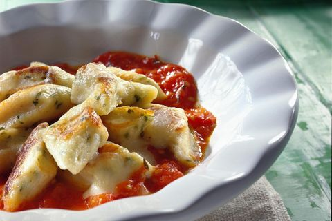 Bärlauch-Gnocchi mit Tomatensoße