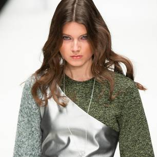 Fashion Week Berlin 2019: Model bei Rebekka Ruétz