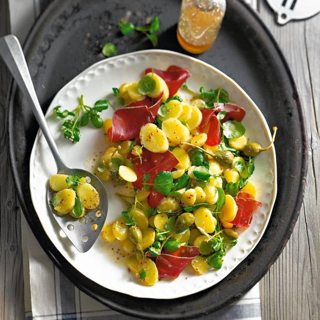 Feiner Kartoffelsalat mit Brunnenkresse