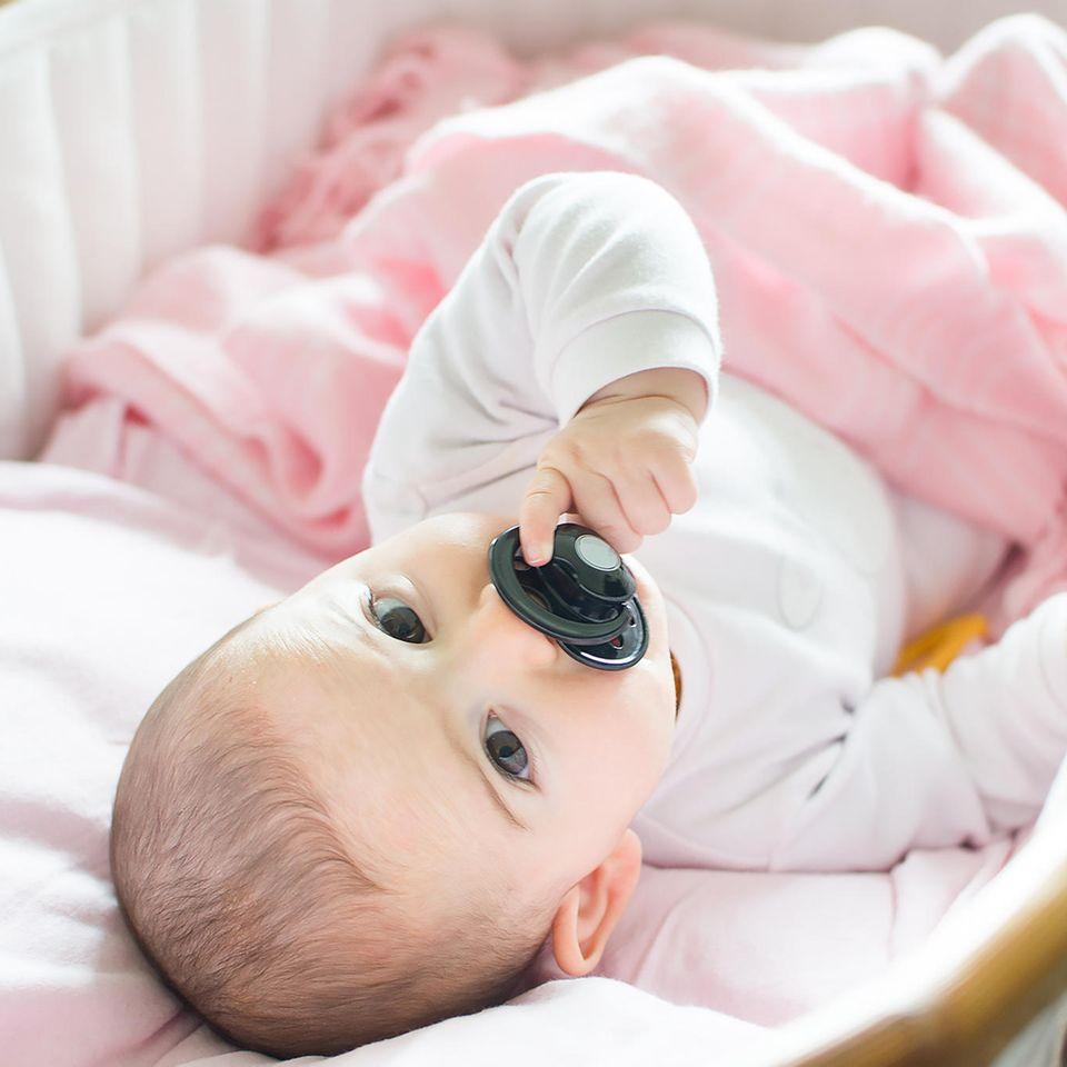 Mutter verrät Schnuller-Trick, mit dem ihr Baby nachts durchschläft