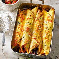 Kartoffel-Crespelle mit Bohnenfüllung & Tomaten-Salsa