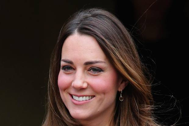 Herzogin Kate mit grauen Haaren