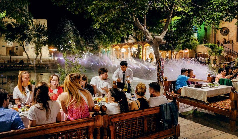 "Usbekistan: Restaurant ""Lyabi Hauz"""