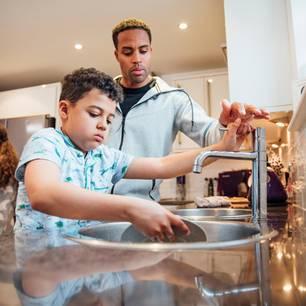 Kinder sollen im Hauhalt helfen- nur wie kriegt man sie dazu?
