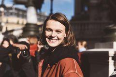 Frisuren für ovale Gesichter: Frau mit kinnlangem Bob