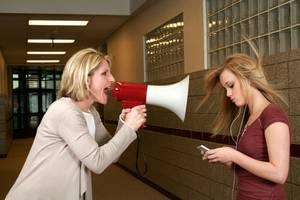 9 Überlebensstrategien, wenn du einen Teenie im Haus hast