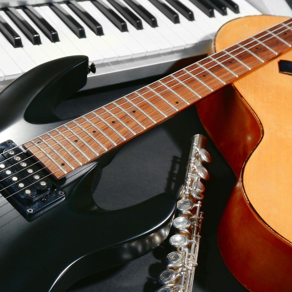 Welches Instrument passt zu mir? 4 Instrumente nebeneinander