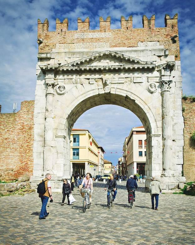 Rimini: Augustusbogen