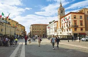 """Rimini: Zentrum - """"Piazza Tre Martiri"""""""