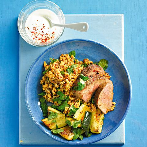 Lammrücken mit Quinoa und Zucchini