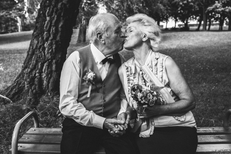 Diamantene Hochzeit Gedichte, Sprüche und Geschenkideen   BRIGITTE.de
