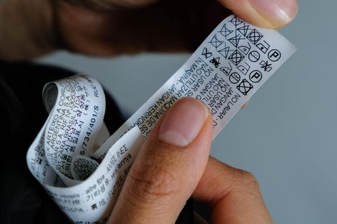 Kleidung waschen, die einem Waschverbot unterliegen: Etikett