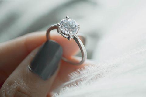 Flohmarkt-Ring entpuppt sich als wertvoller Diamant