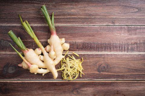 Ingwer pflanzen: So einfach geht's: Ingwerknolle mit Trieben