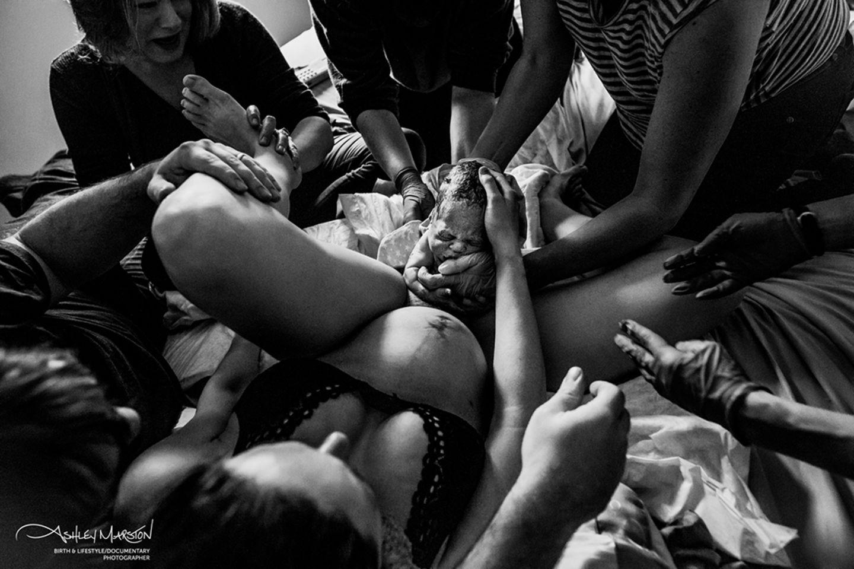 "Geburtsfotos 2019: ""Many Hands"""