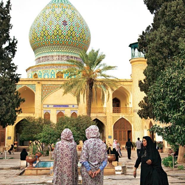 Iran: Reisetipps von Teheran nach Shiraz - Grabmal in Shiraz