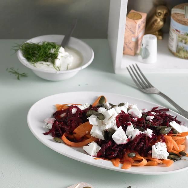 Rote-Bete-Möhren-Salat mit Feta
