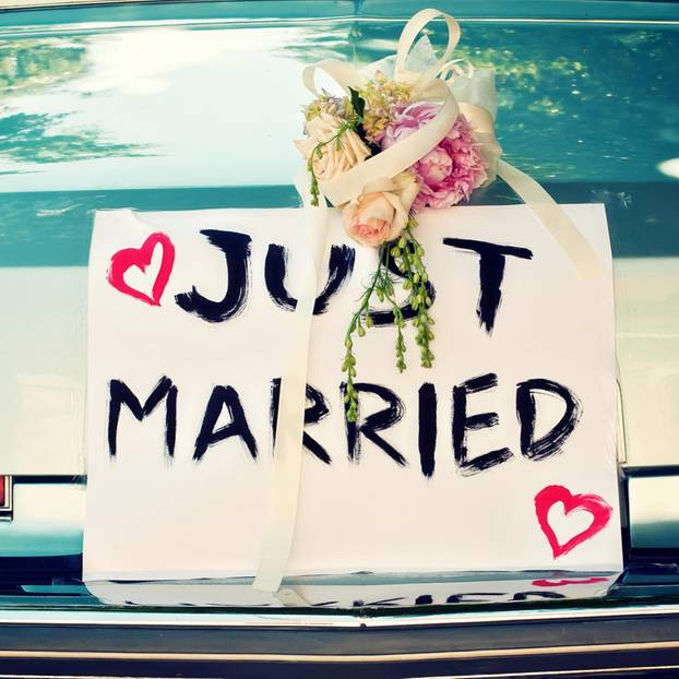 """Nick Galifianakis: Hochzeitsauto mit dem Schild """"Just Married"""""""