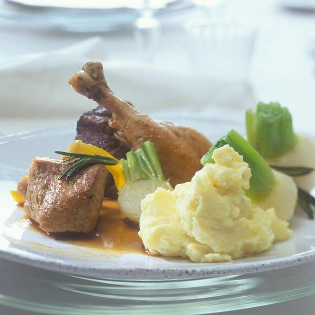 Schmortopf mit Kartoffel-Kefir-Püree