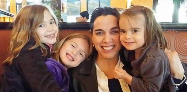 Joanna McPherson und ihre Töchter
