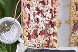 Rhabarber-Marzipan-Kuchen mit Butterstreuseln